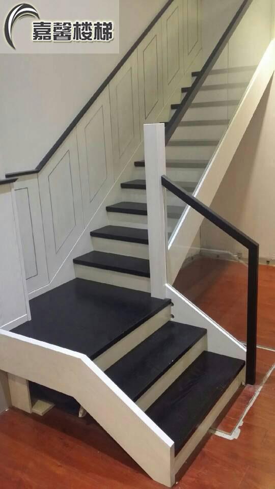北京实木楼梯玻璃护栏 最新玻璃护栏楼梯 整体实木楼梯定制